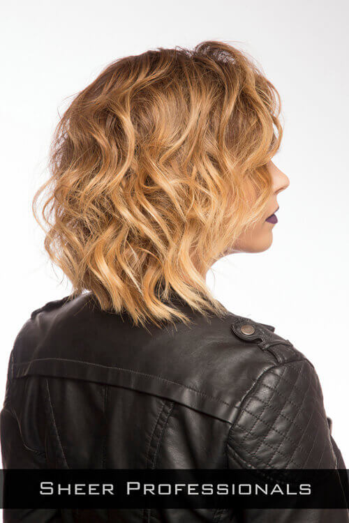 Modern-Wavy-Short-Hairstyle-for-Thin-Hai