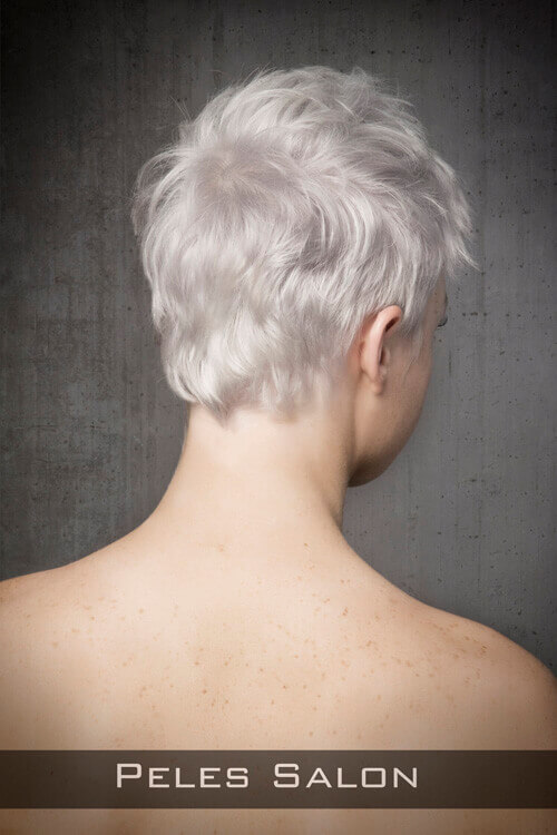 Pixie-Hairstyle-for-Thin-Hair-with-Text