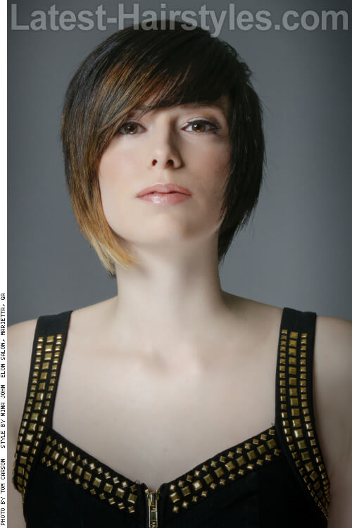 Cropped-Hairstyle-with-Color-Block-Ombr