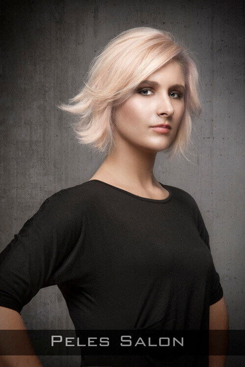 Short-Hairstyle-with-Flip-for-Longer-Fac