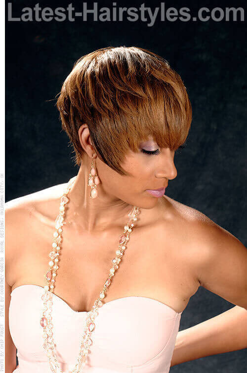 opulent-medium-bob-light-brown-highlight